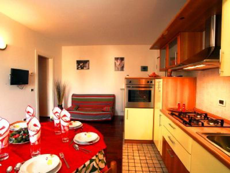 cucina - soggiorno + divano letto