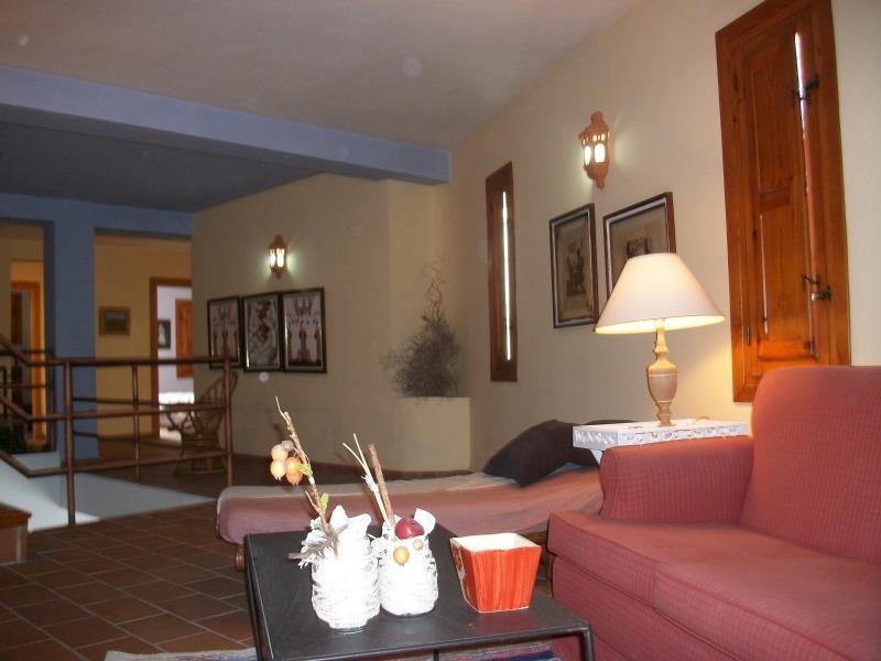 Bonita y acogedora casa en el corazón de Agua Amarga a 50 metros de la playa.