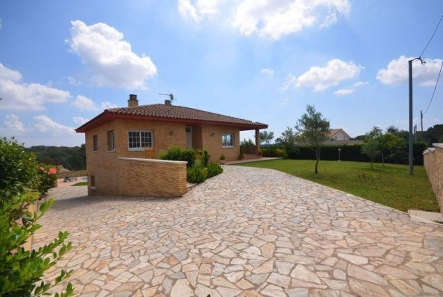 Casa ideal dias de vacaciones, holiday rental in Brunyola