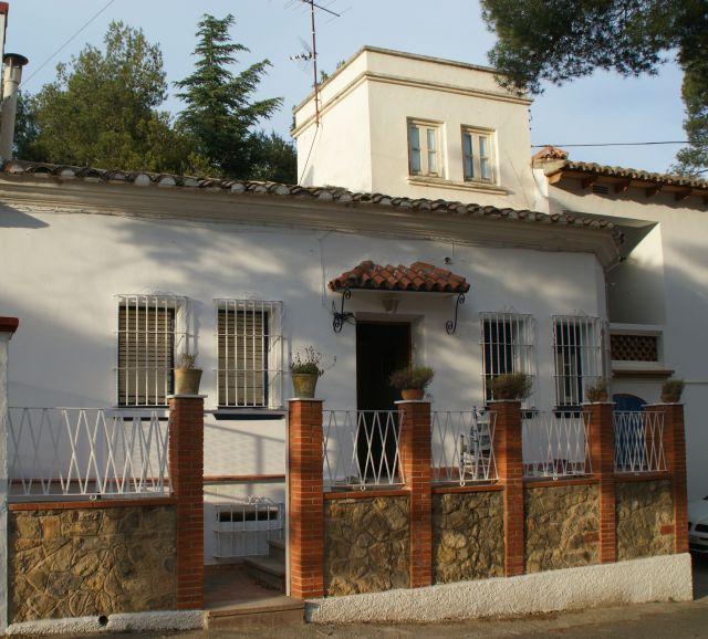 CHALET GRANDE EN LA MONTAÑA EN LLUCENA DEL CID (CASTELLÓN), holiday rental in Montanejos