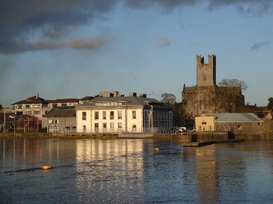 Limerick City es de 6 millas