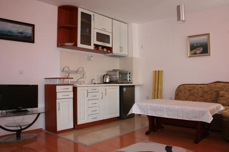 Orange party, holiday rental in Pomorie