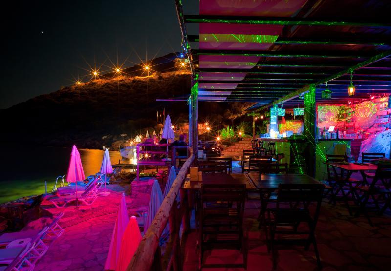 Club Barbarossa sea side at night
