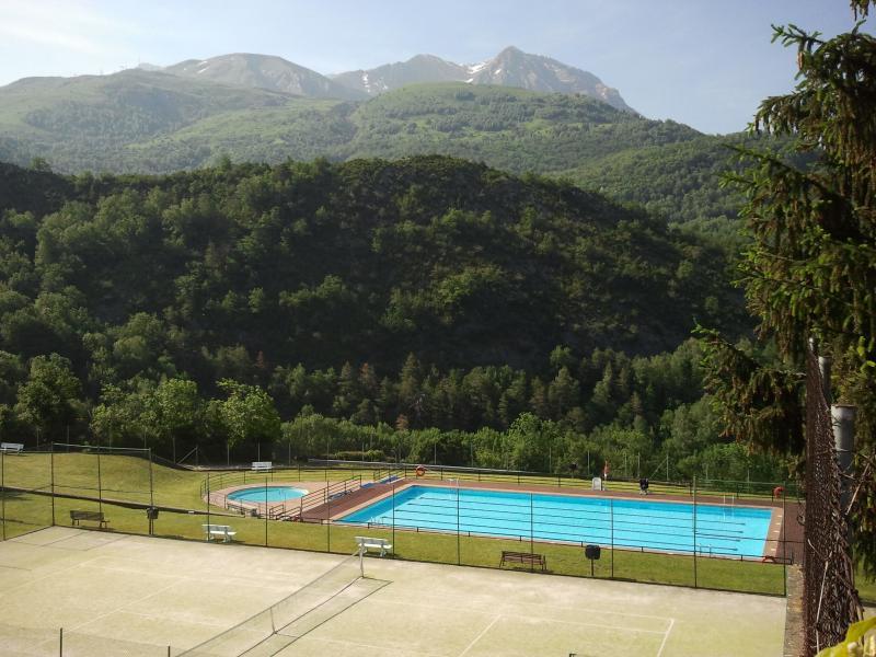 piscina municipal (a 5 minutos caminando)