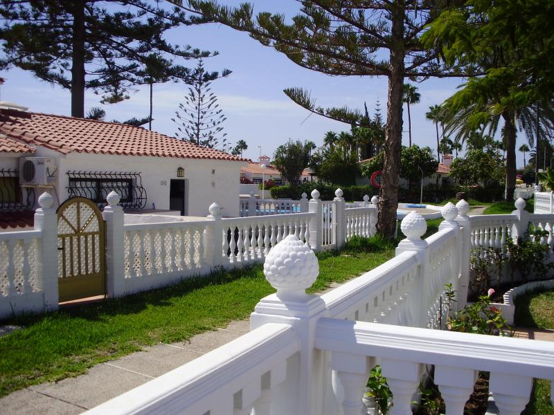 Beautiful Two Bedroom Bungalow in the centre of Playa Del Ingles, close to everything. Enjoy.