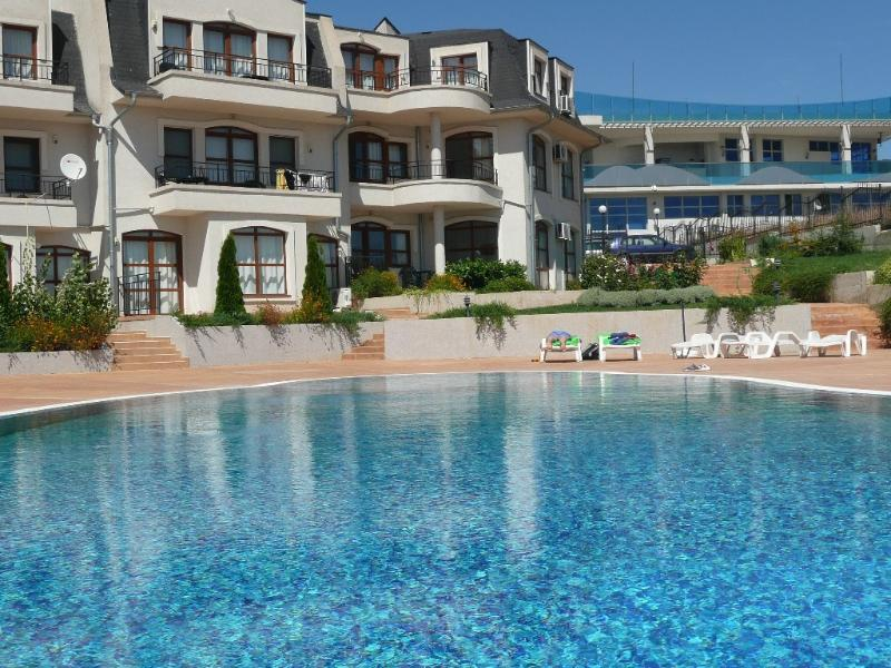 2 bedroom apartment outside Sunny Beach, holiday rental in Gyulyovtsa