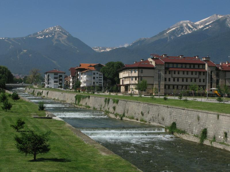 The River Glazne running through Bansko