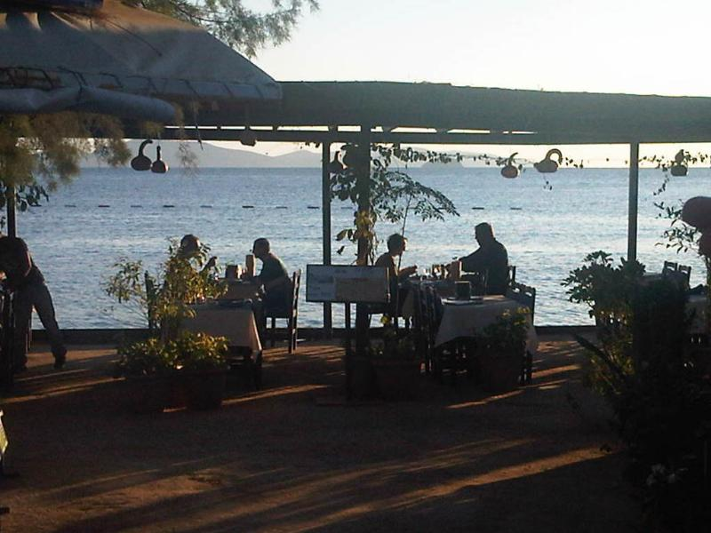 Restaurante junto al mar - entorno idílico a 10 km