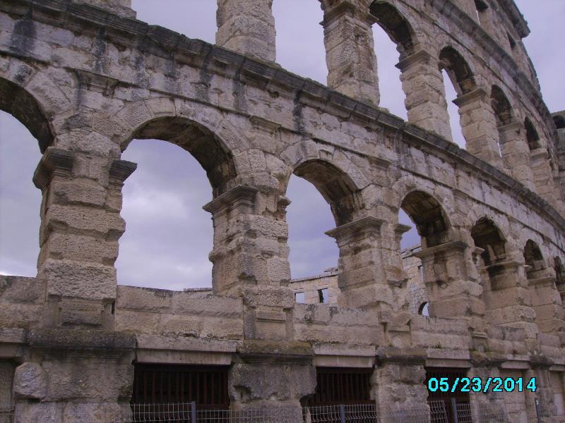 Amphitheatre in Pula-close Fazana(7km).Construction has already started for the 27th pr. Kr. - 14th