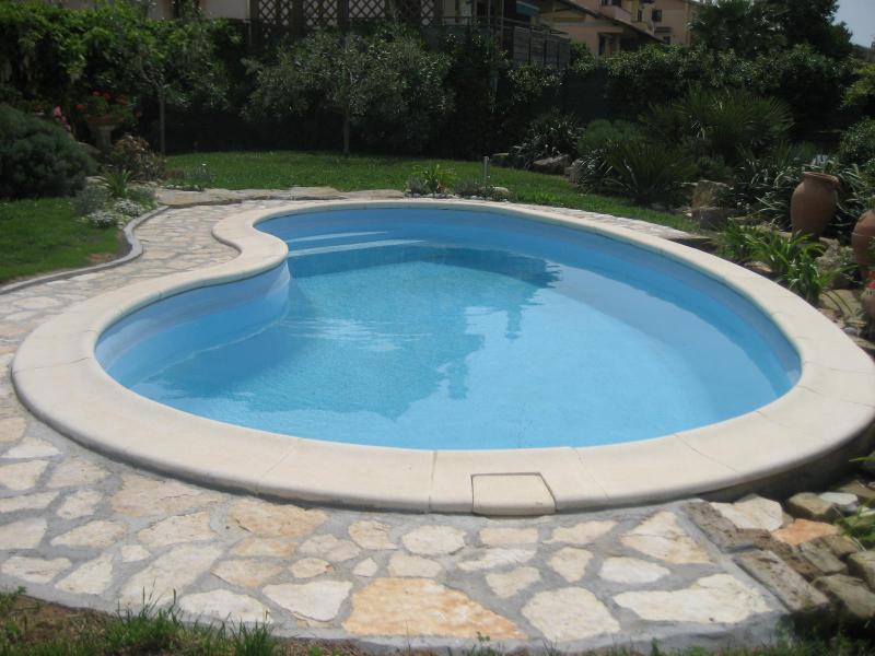 Pool, new stone pool border