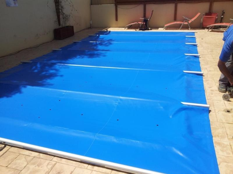 Pool with cover - safety cover