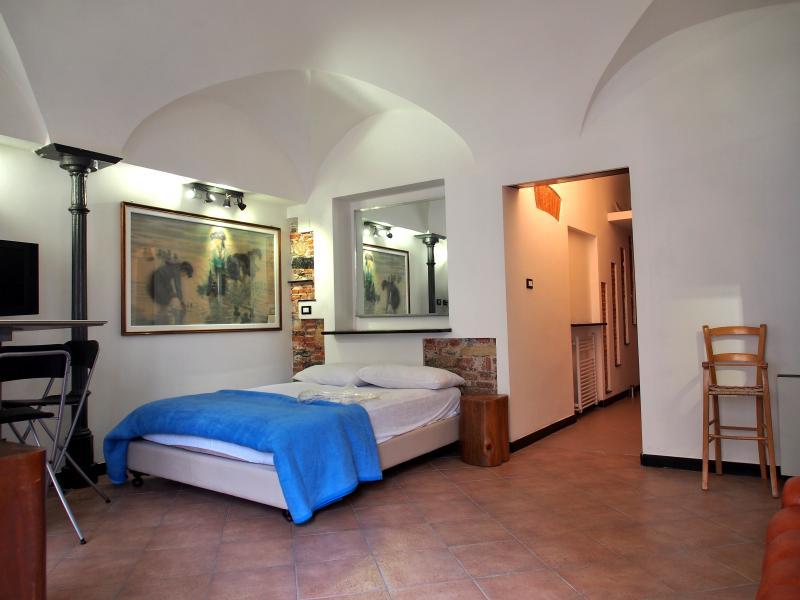 lovingenoa CAST-IRON, holiday rental in Genoa