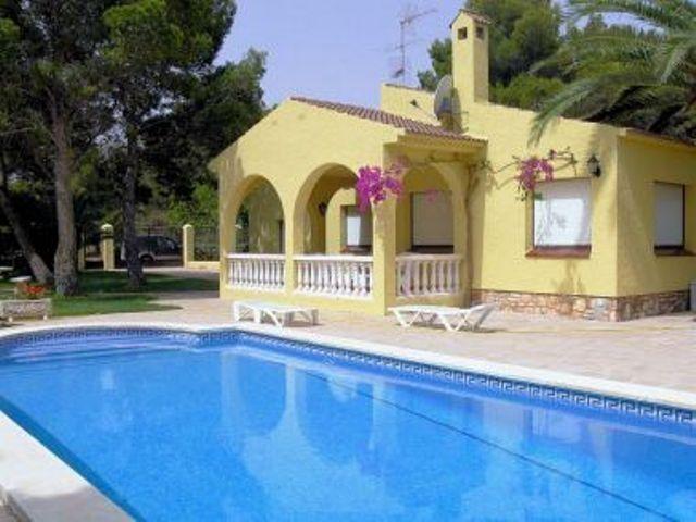 AME148, chalet independiente 8/10 pers., holiday rental in Terres de l'Ebre