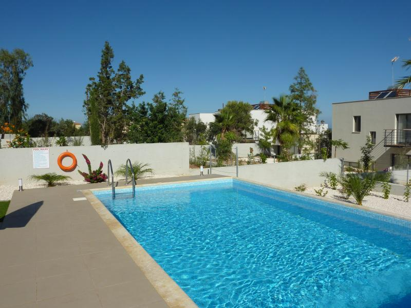 Large HEATED pool to use, exclusive and private