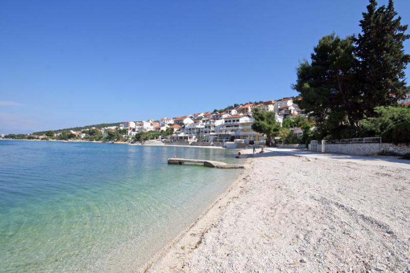 Beach in Mastrinka