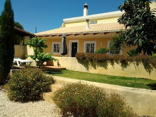 Casa das Pedras, holiday rental in Caramujeira