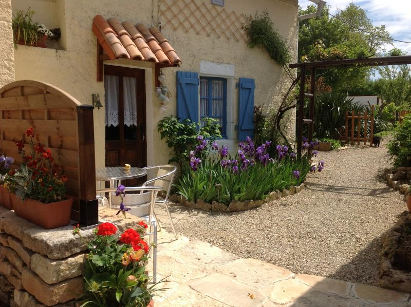 Hideaway Cottage, holiday rental in Vaux