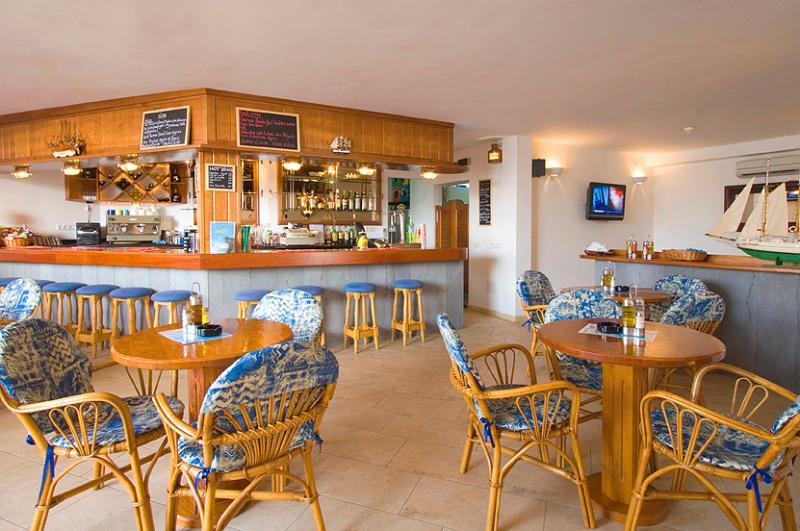 Club Oceano bar and restaurant.
