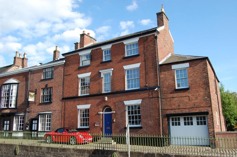 Overton Bank House
