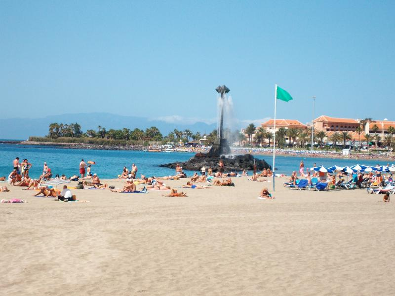 Los Cristianos beach is only a 3minute walk from this Victoria Court Apts..