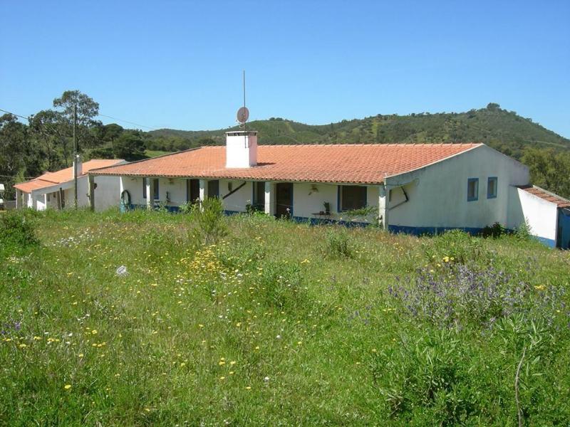 Country house in Alentejo, casa vacanza a Vila Nova de Santo Andre