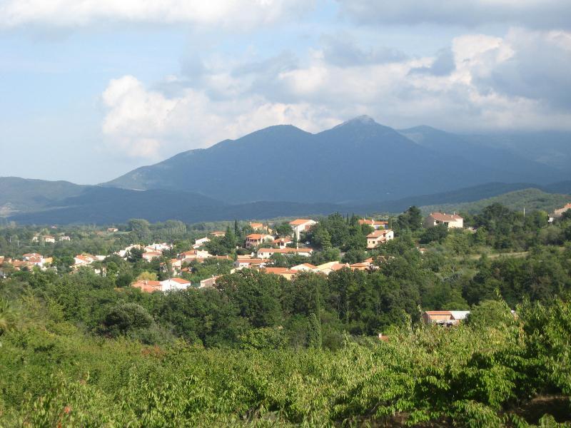 hillwalk con vista Ceret