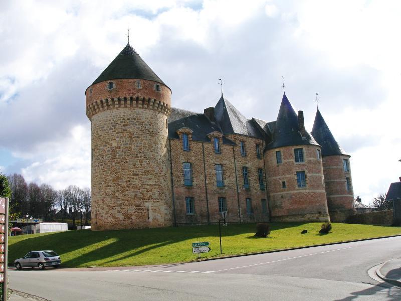 Gacé Town Hall