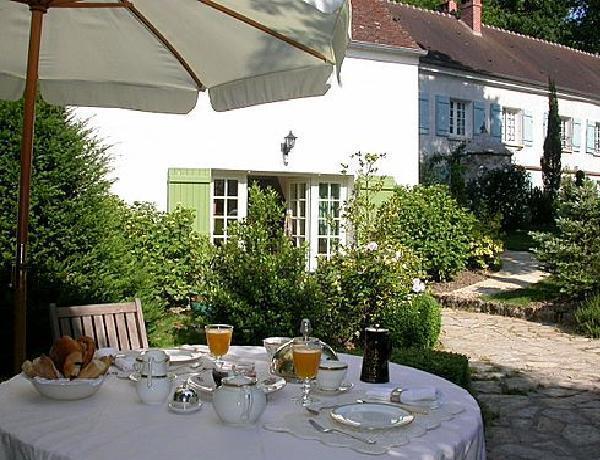 Romantic & elegant Cottage - Le Clos de la Rose, holiday rental in Villeneuve-sur-Bellot