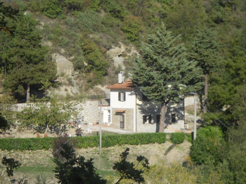 CasaBenga, holiday rental in Montelovesco