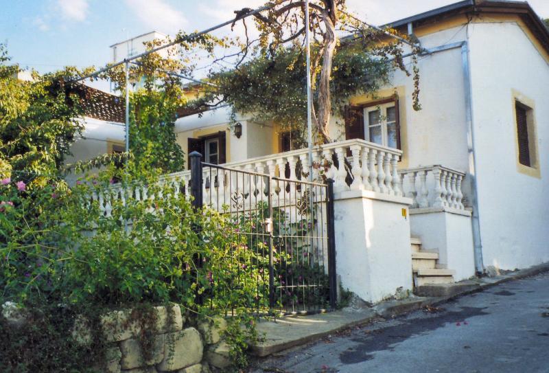 Michele's House, aluguéis de temporada em Bellapais
