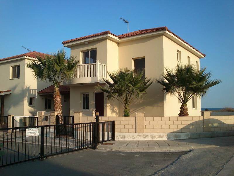 Villa Elena-Pool Villa-Sea View, holiday rental in Pervolia