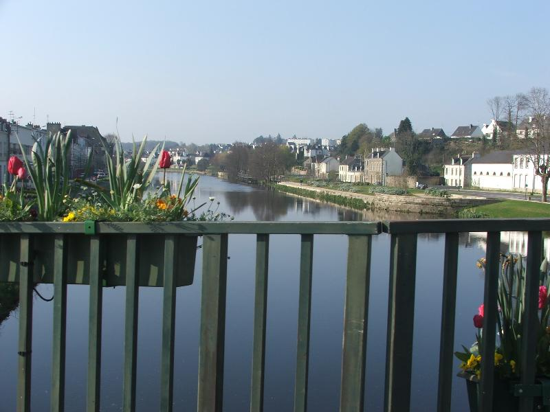 The town of Pontivy only 20 minutes away!