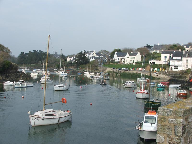 The lovely fishing ports make great day trips!