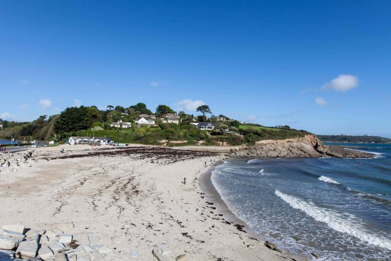 Playa de Swanpool está a sólo 5 minutos a pie desde la casa