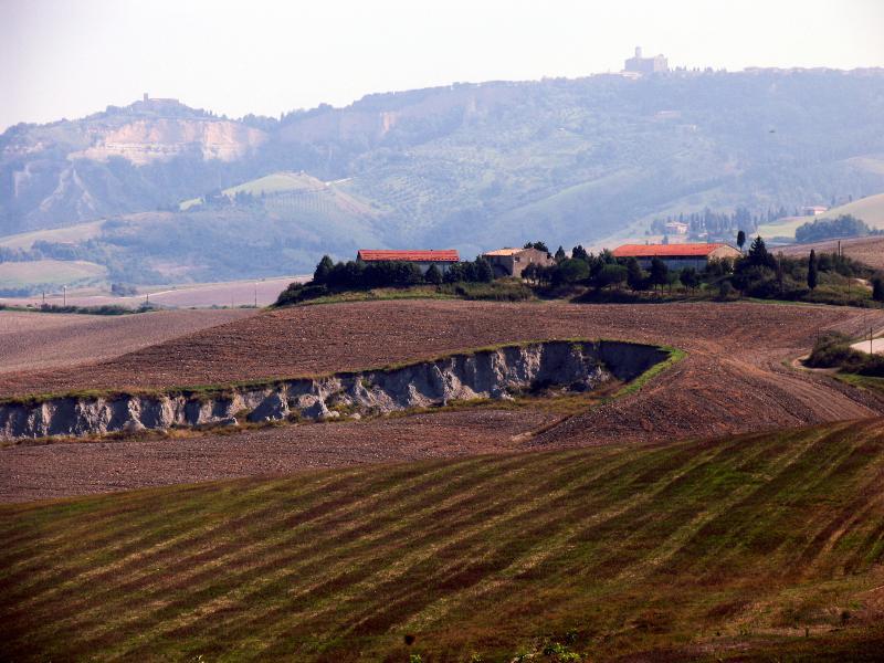 uitzicht vanaf de Ragoncino op de omringende heuvels