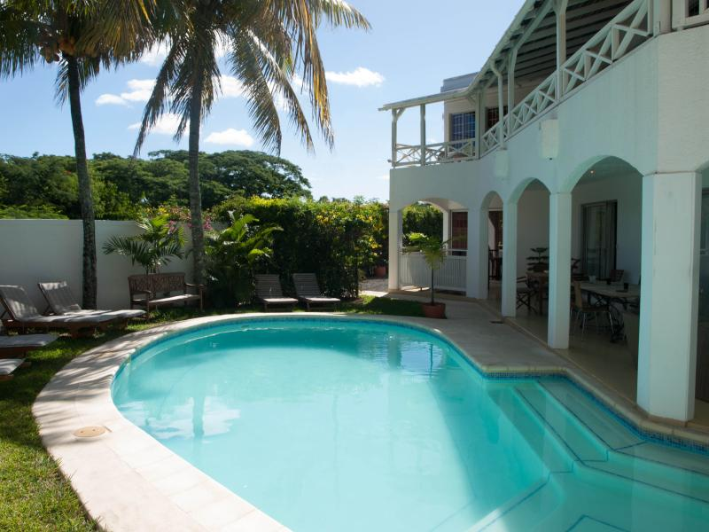bienvenue a Mon Choisy Lodge, a true casual holiday house. 14 beds. 2 appartments & 5 studios