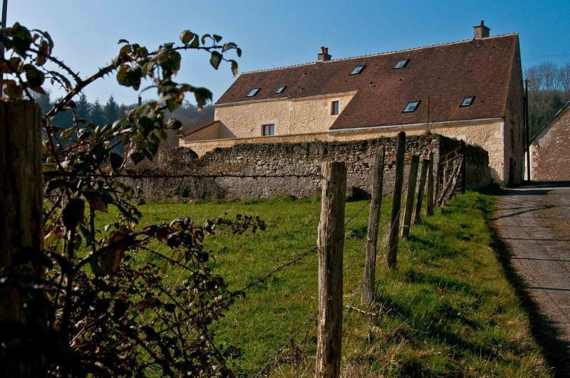 Le Cheval Blanc ****, comfort 6pers countryhouse, holiday rental in Saint-Germain-des-Grois
