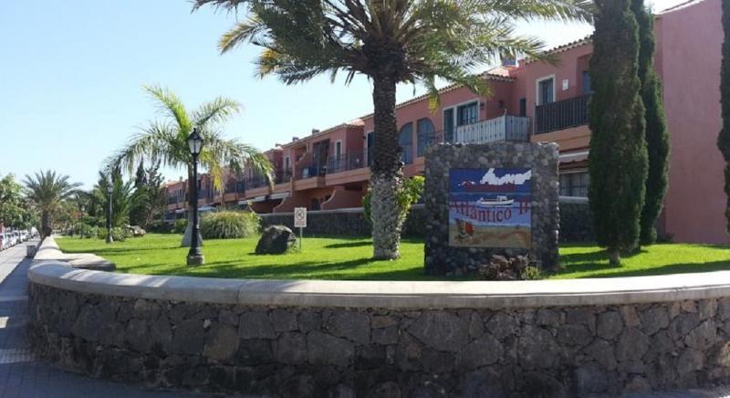 Residencial Atlantico 1 - Costa del Silencio, holiday rental in Costa del Silencio