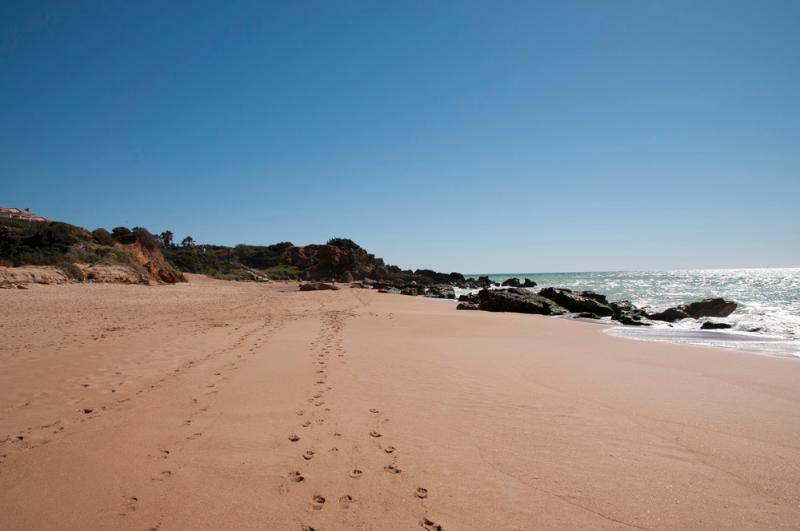 Playa de Roche (a 5 km.) hacia Conil