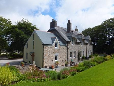 The Old Vicarage, Godolphin Cross, near Helston, vacation rental in Praze-An-Beeble