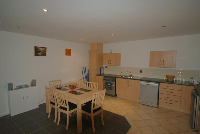 Well equiped spacious kitchen Ground Floor