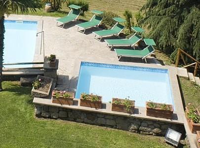 Vitorchiano Villa Sleeps 25 with Pool and WiFi - 5228646, casa vacanza a Grotte Santo Stefano