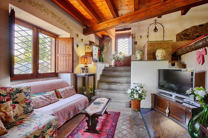 Incantevole casa d'epoca, holiday rental in San Giovanni la Punta
