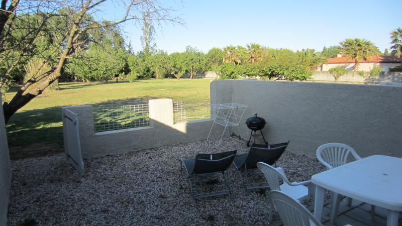 Vue depuis la terrasse sur la propriété de 8000 M2