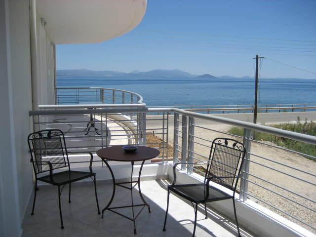 By the Sea with Parking and Wi-Fi,  in Paralio Astros, vacation rental in Agios Andreas