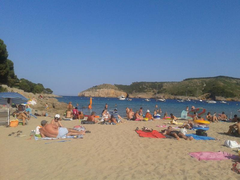 Playa de Montgó a 8 minutos a pie,de la casa
