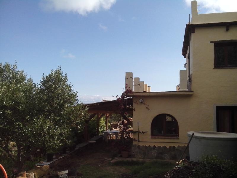 Vista del apartamento, es el de la parte de abajo con porche