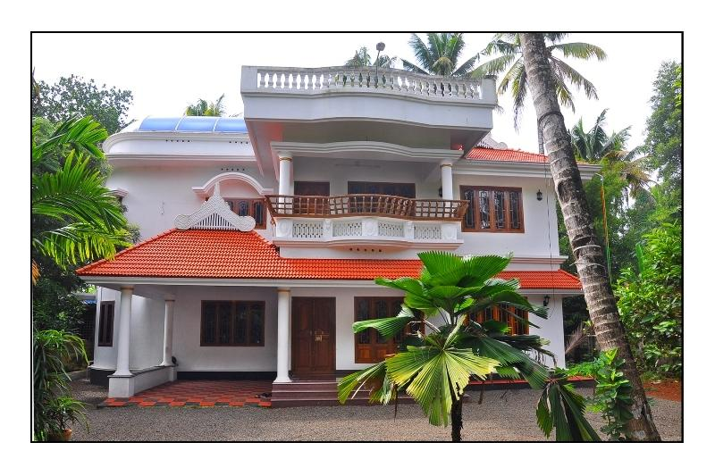 River View Homestay 'Your Home Away Fom Home' (House Boat,Tour Desk,Sightseeing), location de vacances à Cochin