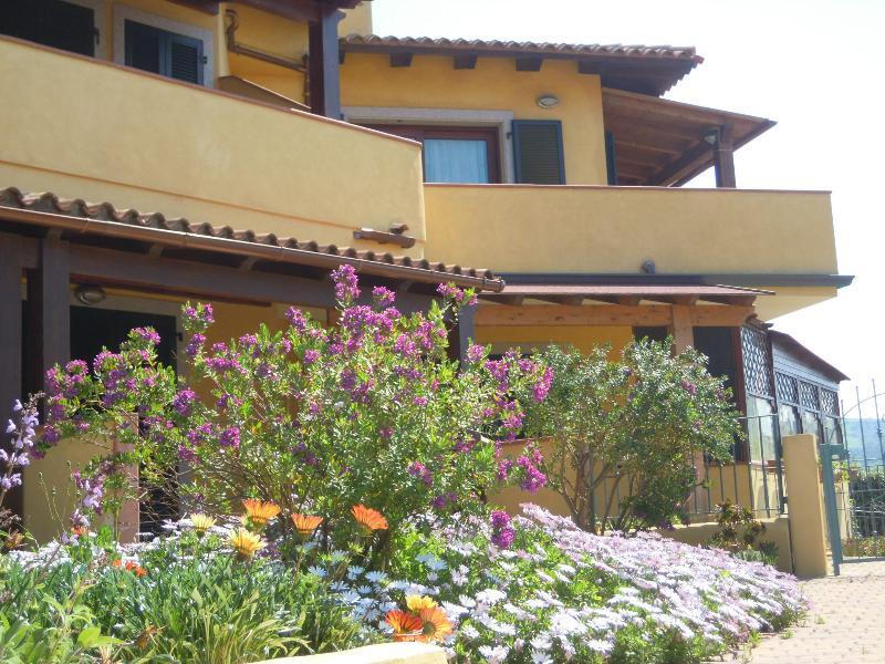 Attico nel residence La Murighessa, location de vacances à Castelsardo
