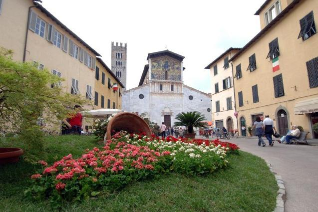 Flowers in front of Basilica di San Frediano for the S. Zita flower fair that take place in April